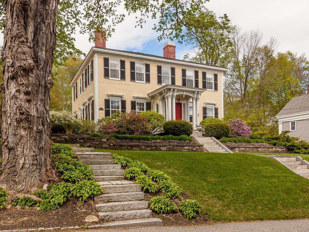 独户住宅 为 销售 在 Benjamin Wales 49 Middle Street 哈洛韦尔, 缅因州, 04347 美国