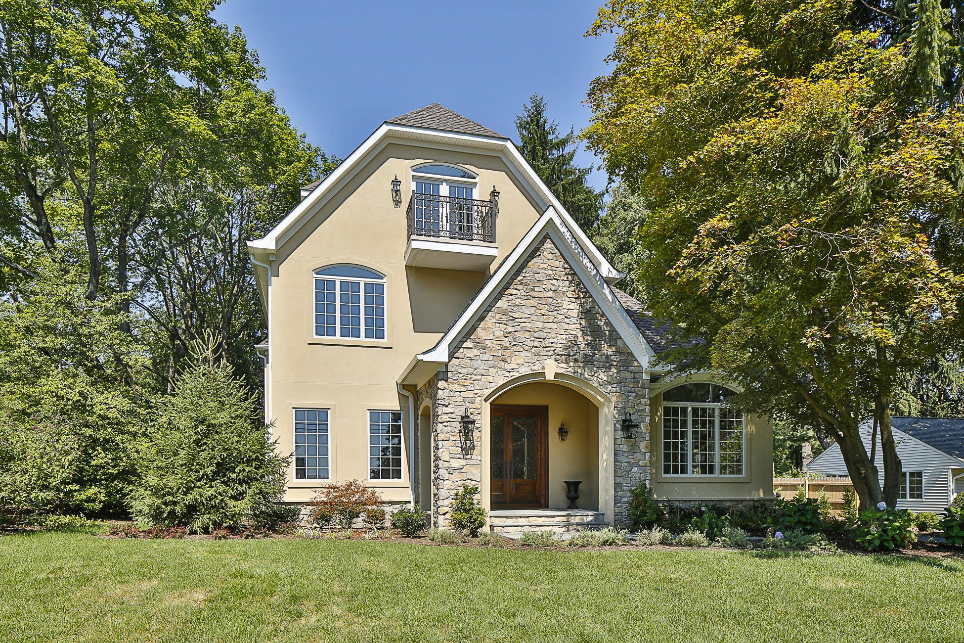 Einfamilienhaus für Verkauf beim From the Aerie, A Bird's-Eye View of Carnegie Lake 686 Prospect Avenue Princeton, New Jersey 08540 Vereinigte Staaten