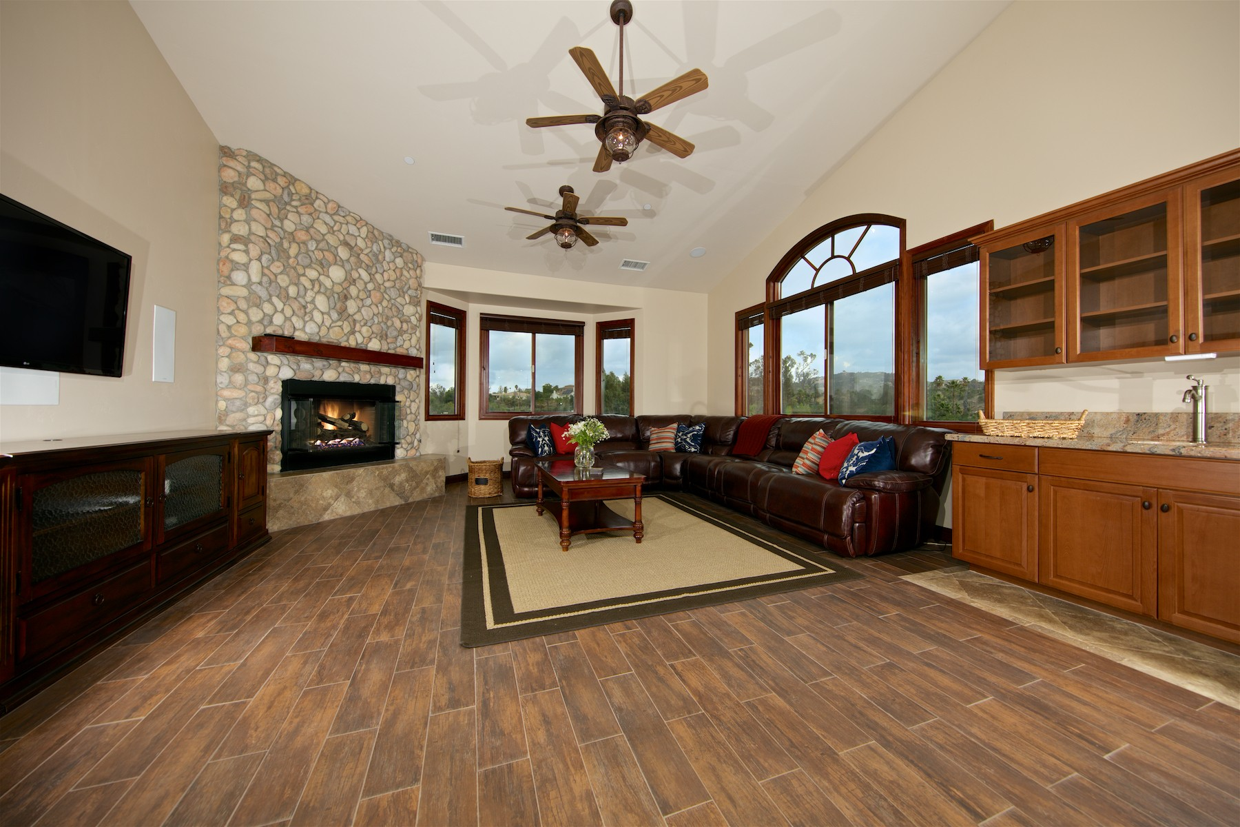 Additional photo for property listing at 1291 Summit Place  Escondido, Californie 92027 États-Unis