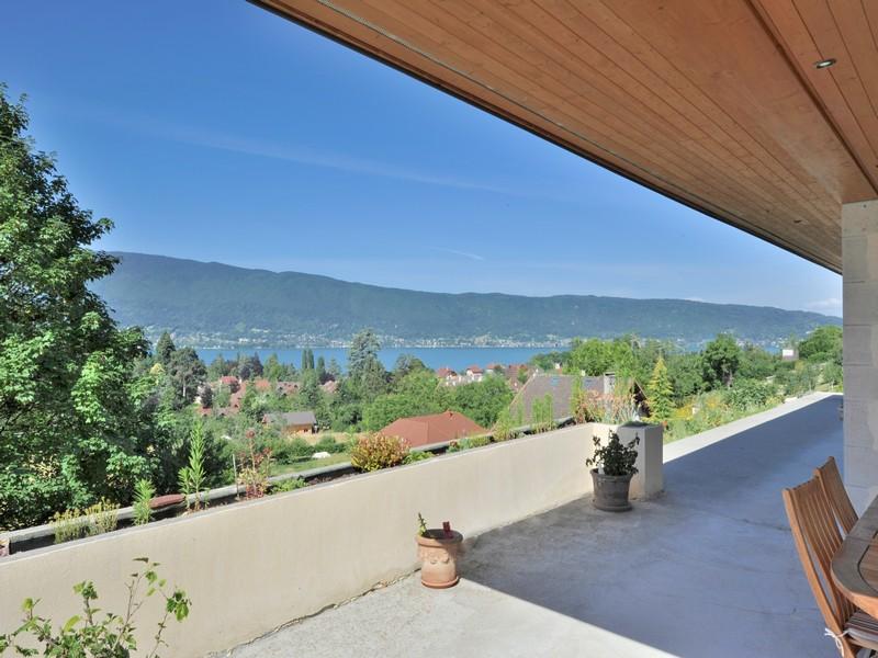 Частный односемейный дом для того Продажа на Superbe villa récente Other Rhone-Alpes, Рона-Альпы 74290 Франция