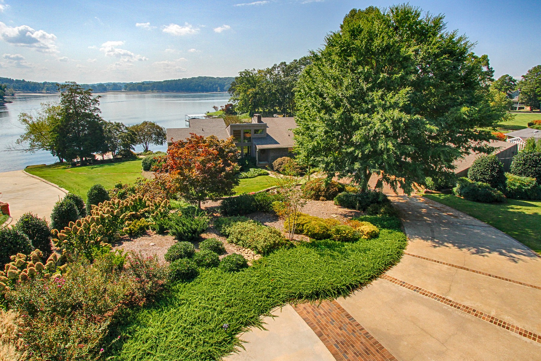 Property For Sale at Lakeside Home in East Tennessee