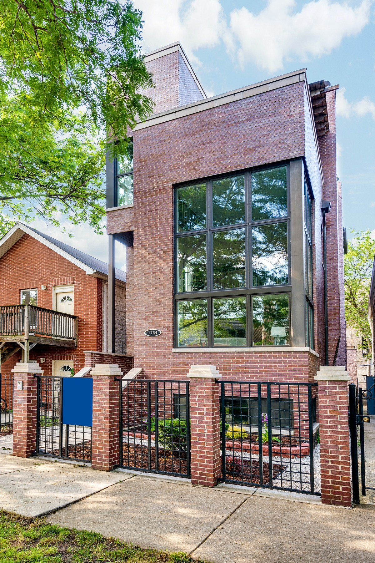 Casa para uma família para Venda às Incredible Wicker Park Home 1754 W Crystal Street West Town, Chicago, Illinois, 60622 Estados Unidos
