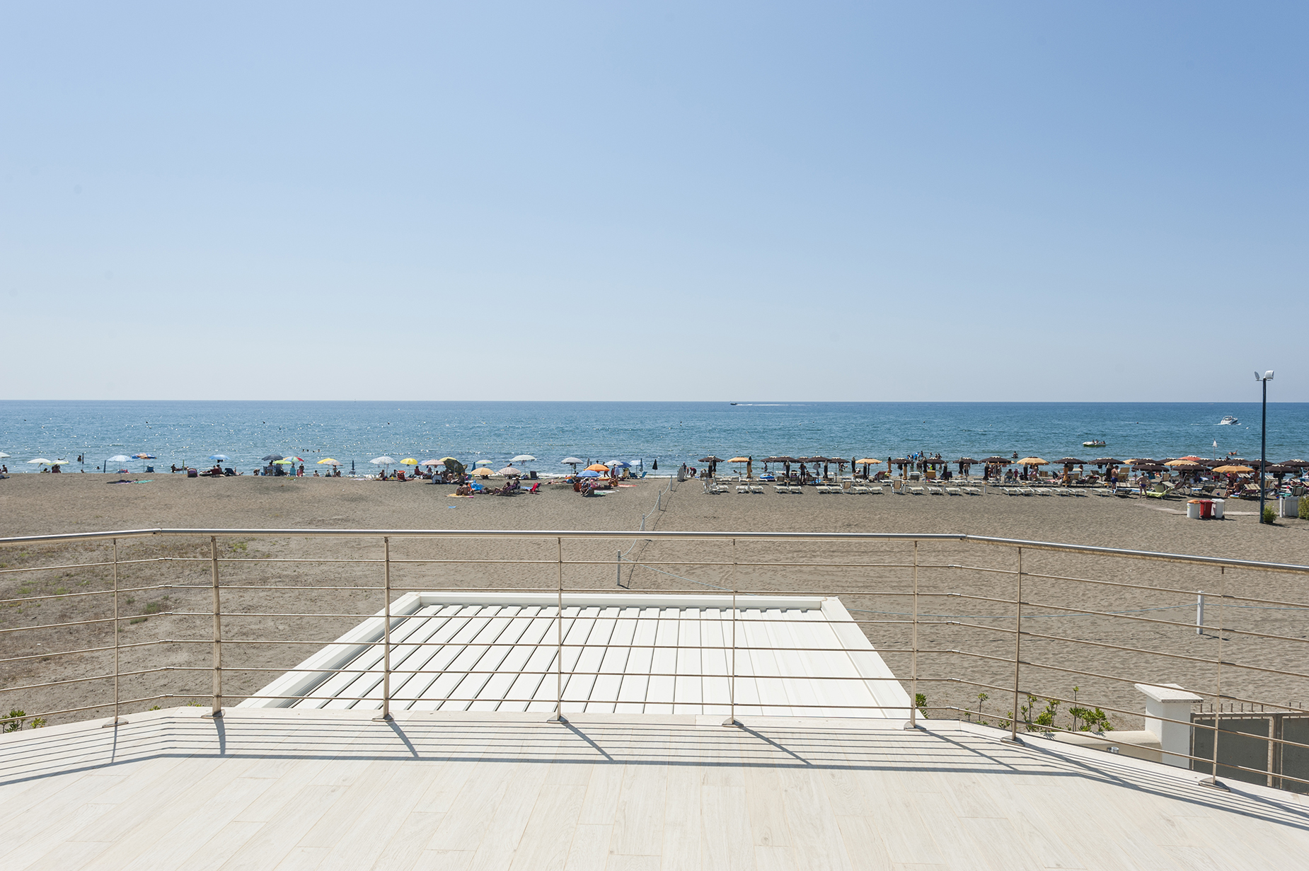Maison unifamiliale pour l Vente à Brand new building with direct access to the beach San Felice Circeo, Latina Italie