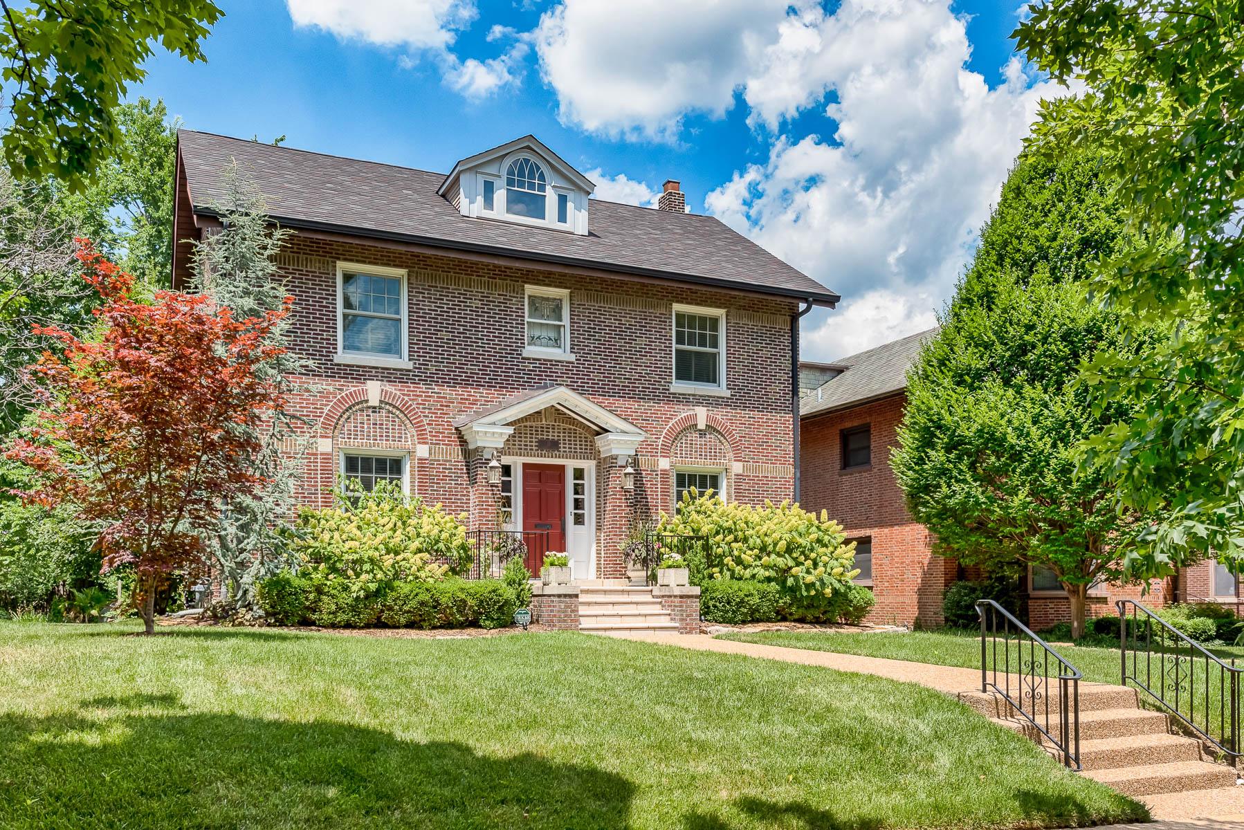 Maison unifamiliale pour l Vente à Aberdeen Place 15 Aberdeen Place St. Louis, Missouri, 63105 États-Unis