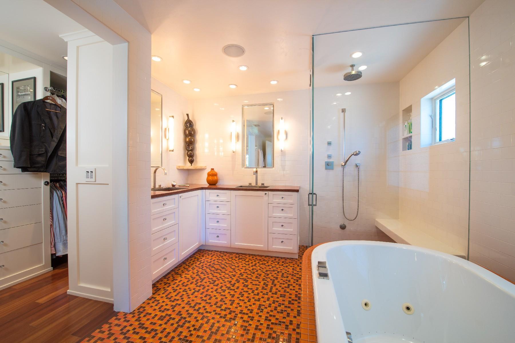 Additional photo for property listing at 734 Glorietta Boulevard 734 Glorietta Bouldevard Coronado, California 92118 United States