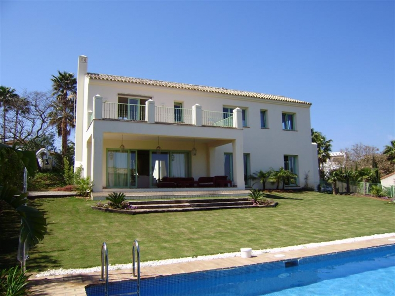 Maison unifamiliale pour l Vente à Villa in Sotogrande Alto with tranquil views of the Golf Course 11310 Sotogrande (Sotogrande Alto), Cadiz (Spain) Other Spain, Autres Régions D'Espagne, 11310 Espagne