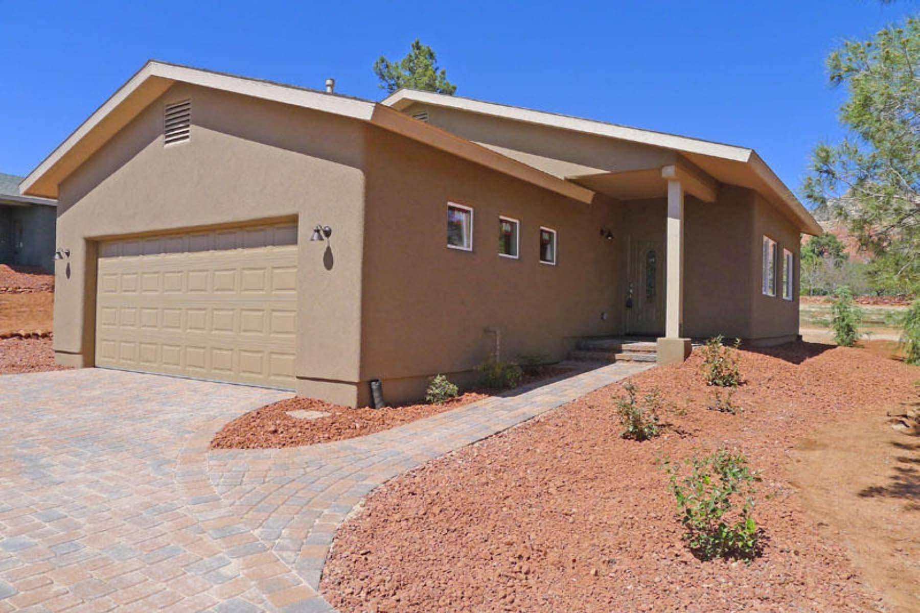 Vivienda unifamiliar por un Venta en Small Luxury home located in West Sedona. 45 Grasshopper Lane Sedona, Arizona 86336 Estados Unidos