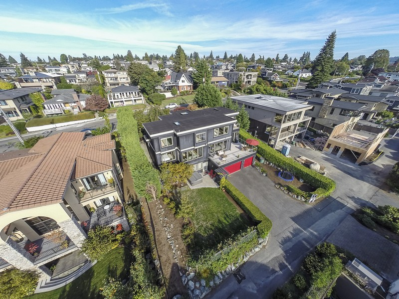 Single Family Home for Sale at West of Market Home - Privacy Abounds 431 8th Ave W Kirkland, Washington 98033 United States