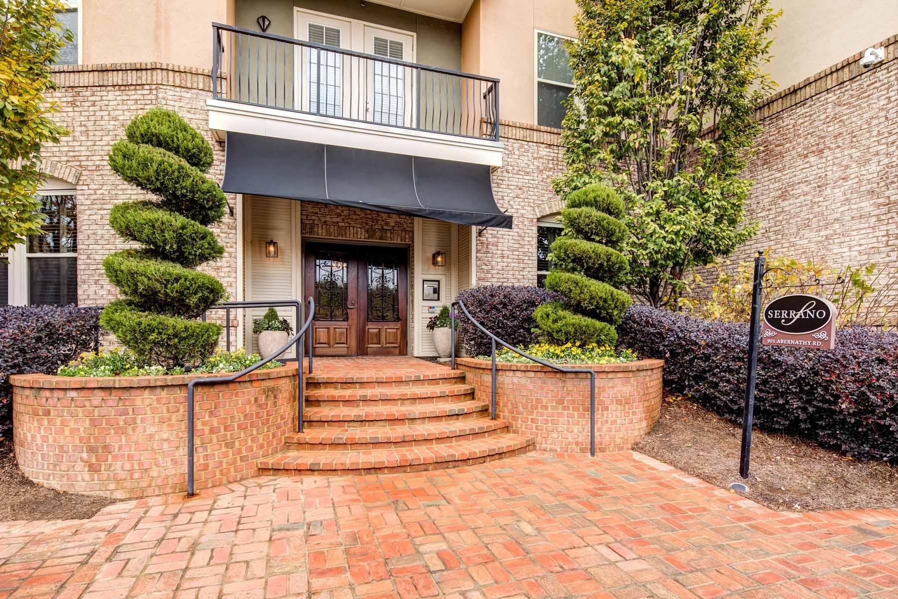 Кондоминиум для того Продажа на Resort Style Building in Perfect Sandy Springs Location 901 Abernathy Road No. 3260 Atlanta, Джорджия, 30328 Соединенные Штаты