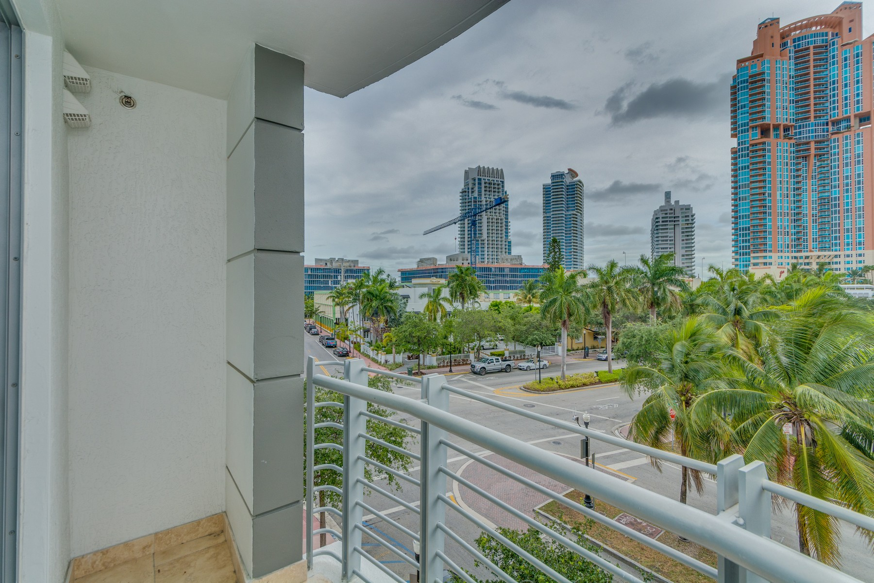 Condominio por un Venta en 110 Washington Ave #1410 Miami Beach, Florida 33139 Estados Unidos