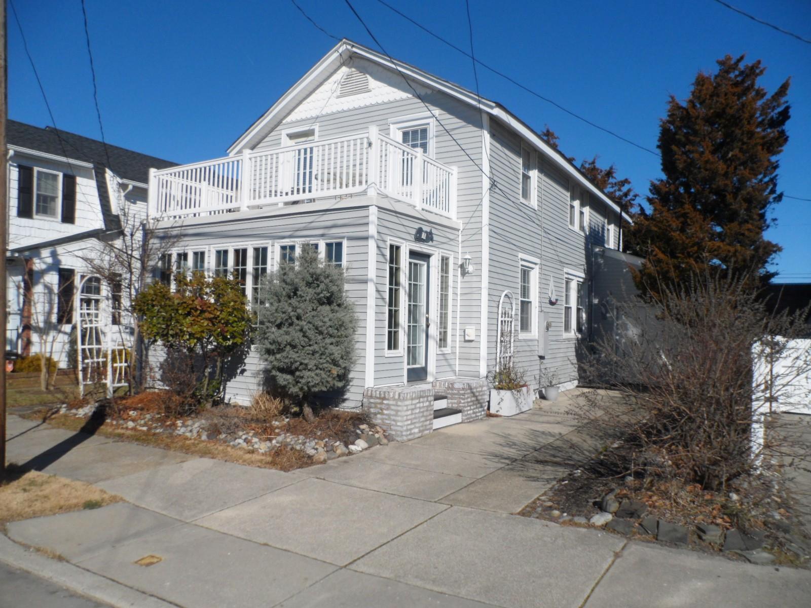 Maison unifamiliale pour l à louer à 11 N Douglas 11 N Douglas Ave Margate, New Jersey 08402 États-Unis