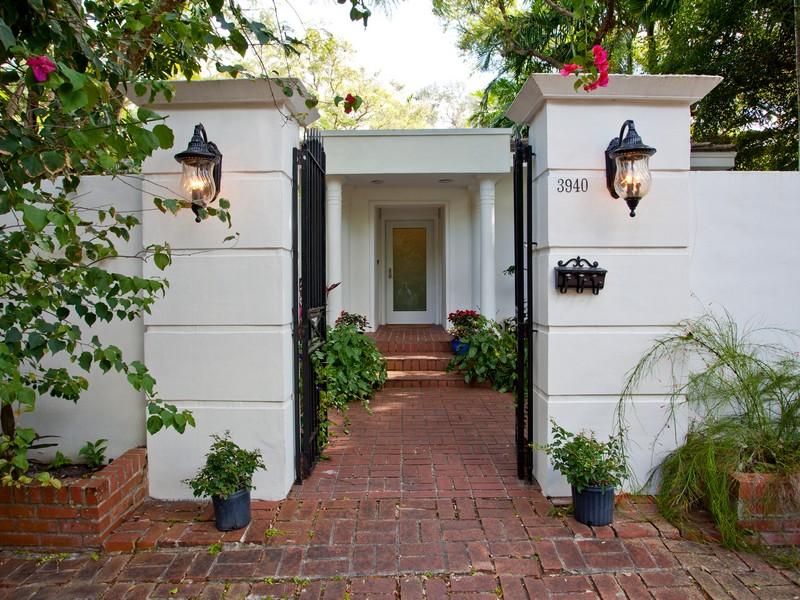 Casa para uma família para Venda às 3940 Utopia Ave Coral Gables, Florida 33133 Estados Unidos