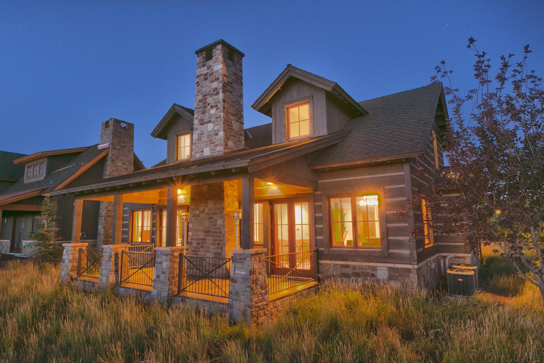 Частный односемейный дом для того Продажа на Furnished Cabin with Deer Valley and Park City Views 8216 Western Sky Park City, Юта 84098 Соединенные Штаты