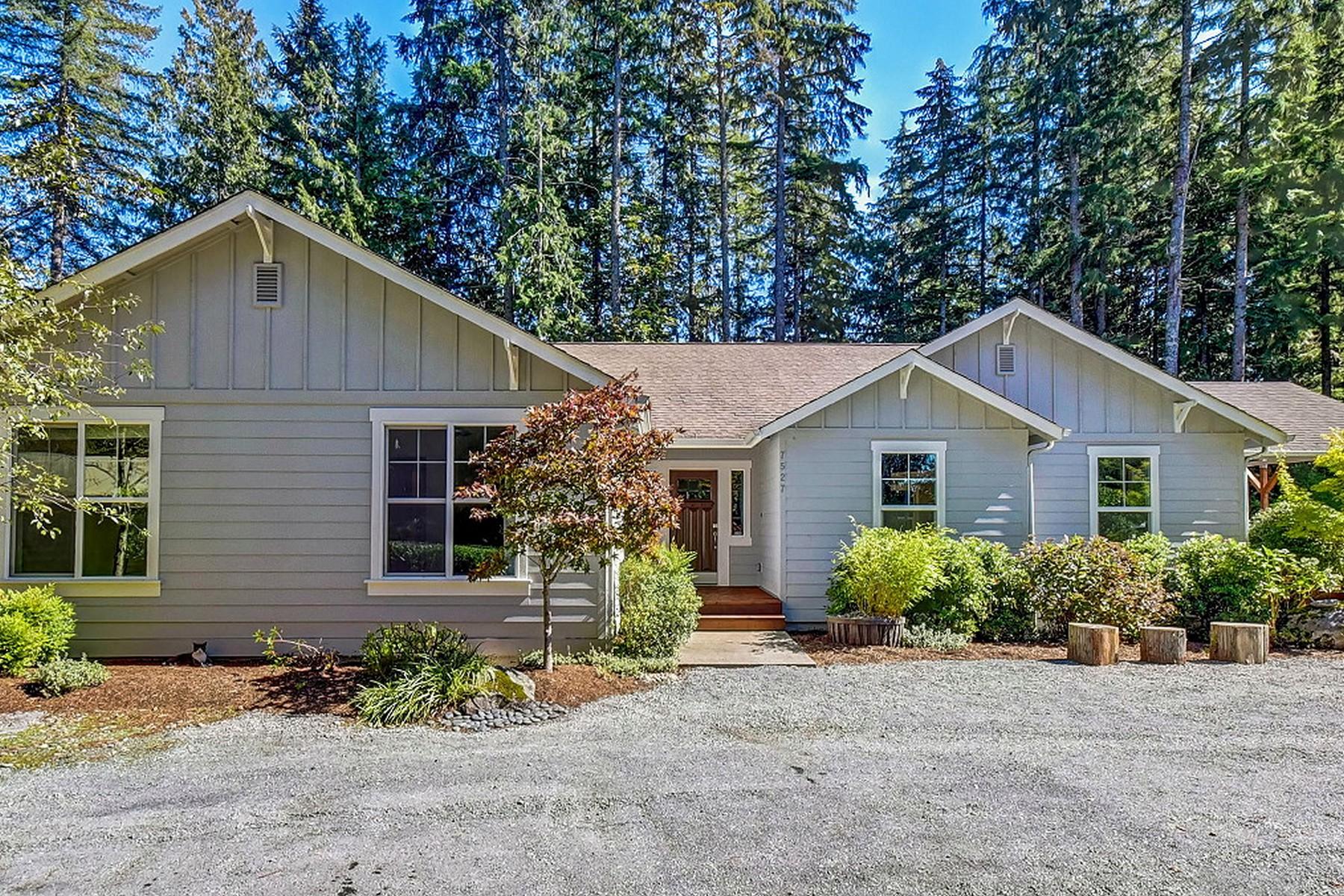 Maison unifamiliale pour l Vente à Desirable Monroe Home 7527 Woods Creek RD Monroe, Washington, 98272 États-Unis