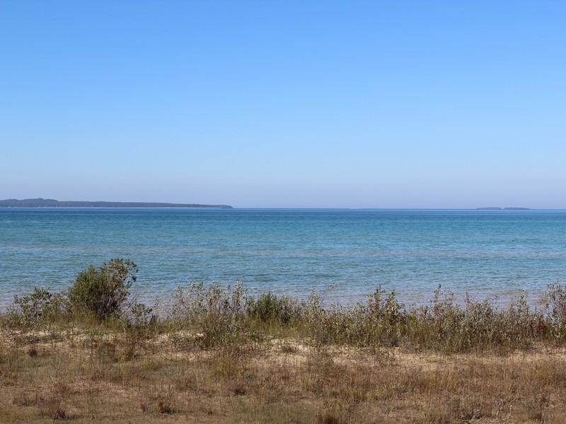 Terrain pour l Vente à Prime Beachfront on Lake Michigan Lot #22 Lake Shore Road Beaver Island, Michigan 49782 États-Unis