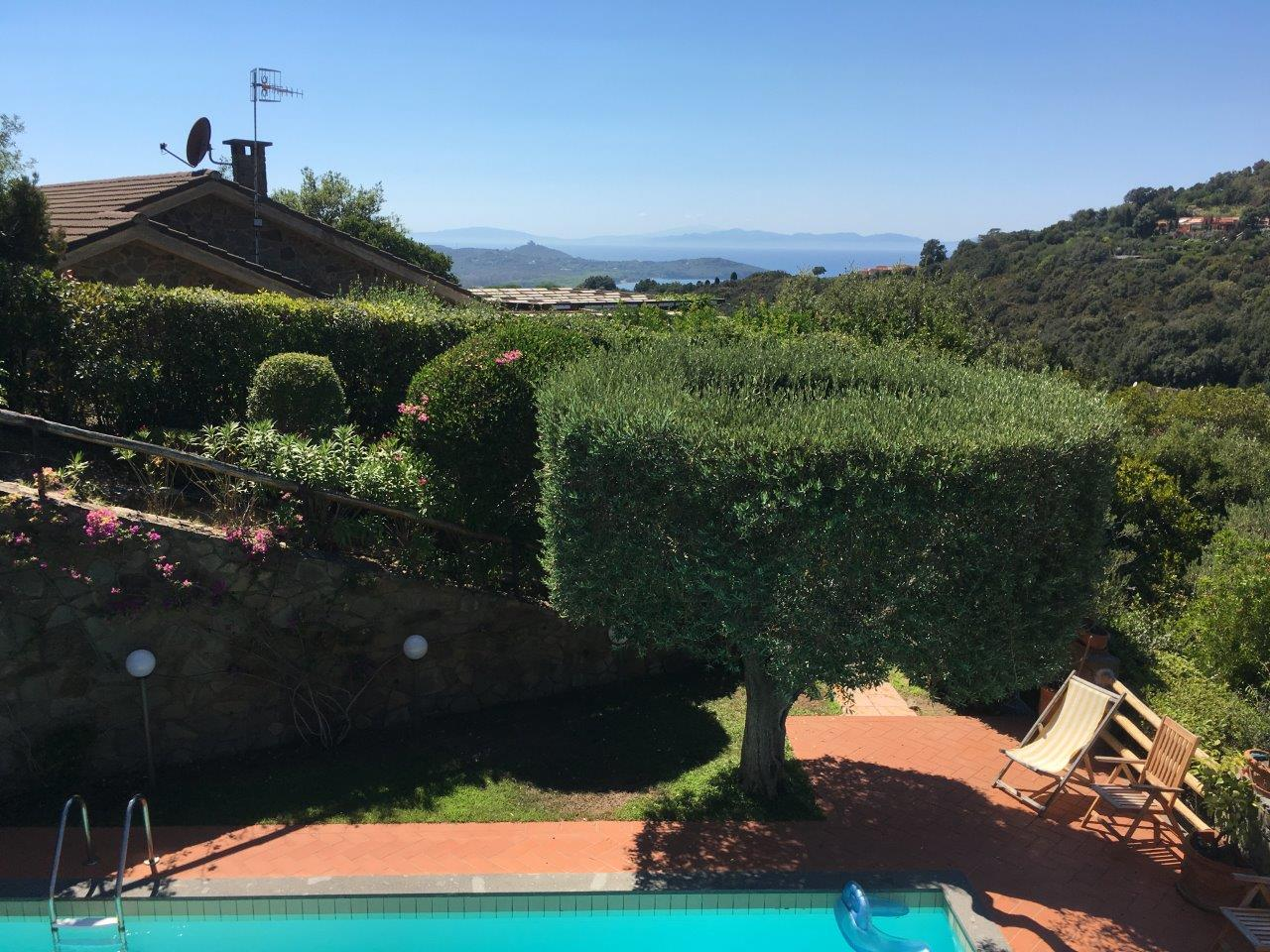 Additional photo for property listing at Modern villa with pool and garden In the exclusive resort of Punta Ala Via Poggio alle Mandrie Castiglione Della Pescaia, Grosseto 58043 Italy