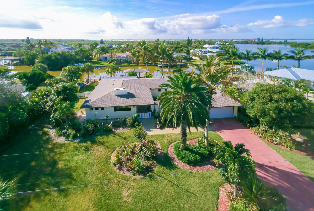 Single Family Home for Sale at Crystal Lakes 445 Riggs Avenue Melbourne Beach, Florida, 32951 United States