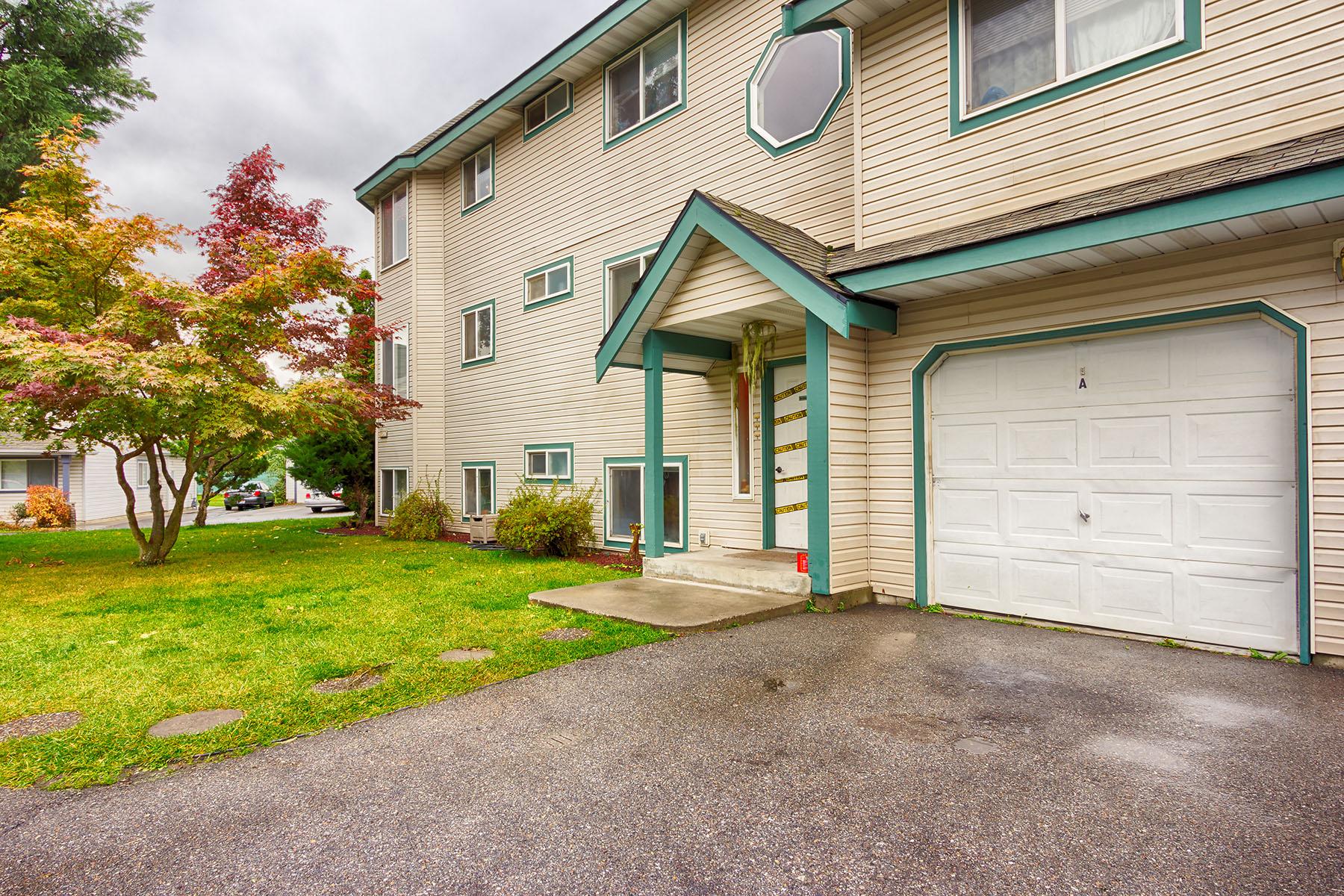 Частный односемейный дом для того Продажа на Post Falls 4-Plex 3452 W Lilac Ct Post Falls, Айдахо, 83854 Соединенные Штаты