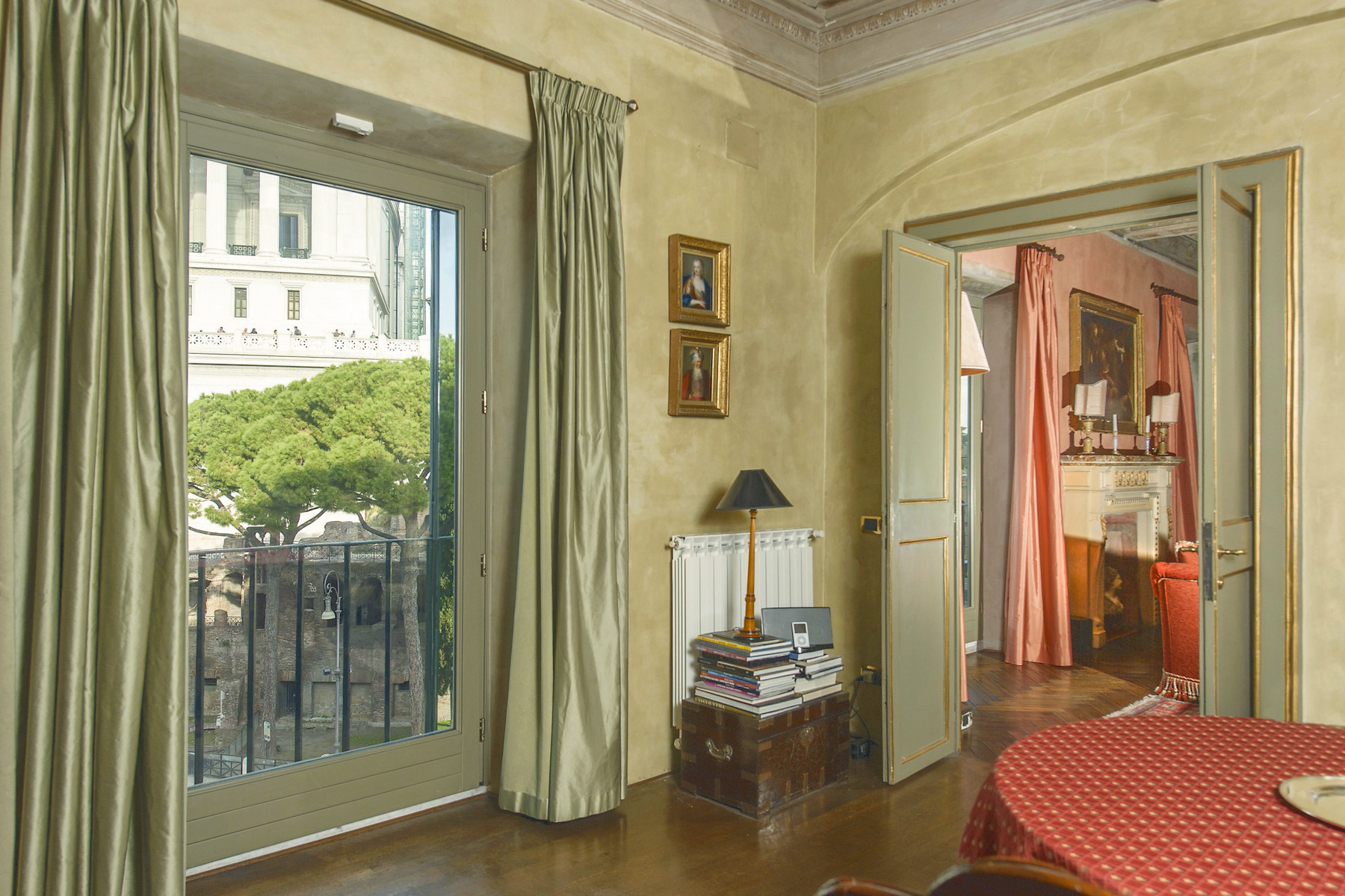 Apartment for Sale at Outstanding apartment overlooking the Capitol Hill Piazza d'Ara Coeli Rome, Rome 00186 Italy