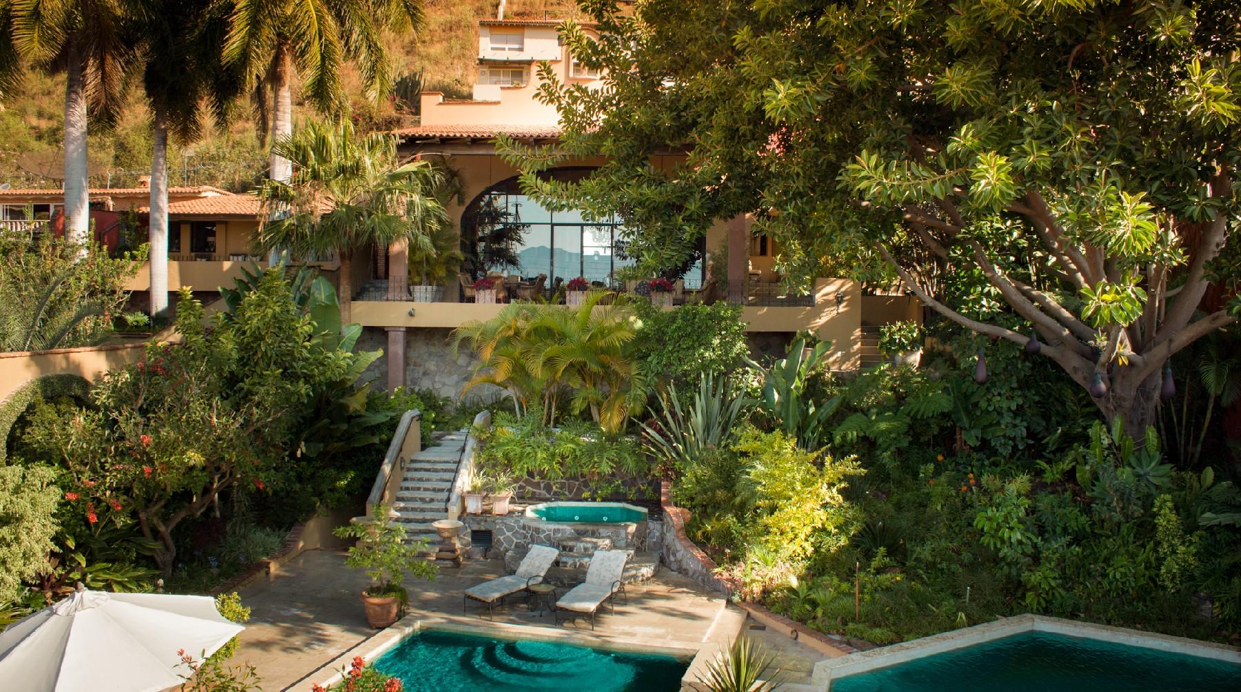 Property Of Casa Campana, Las Salvias, Ajijiic
