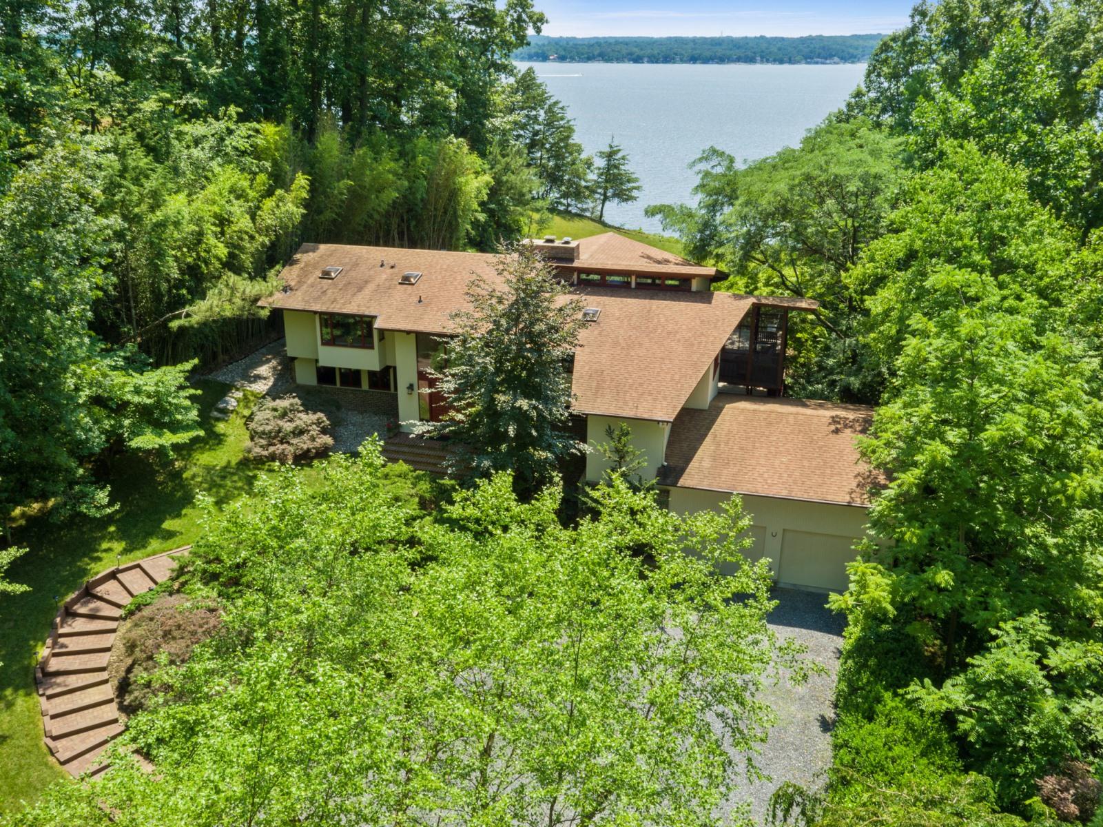 Casa para uma família para Venda às 640 Magothy Road, Gibson Island 640 Magothy Rd Gibson Island, Maryland, 21056 Estados Unidos