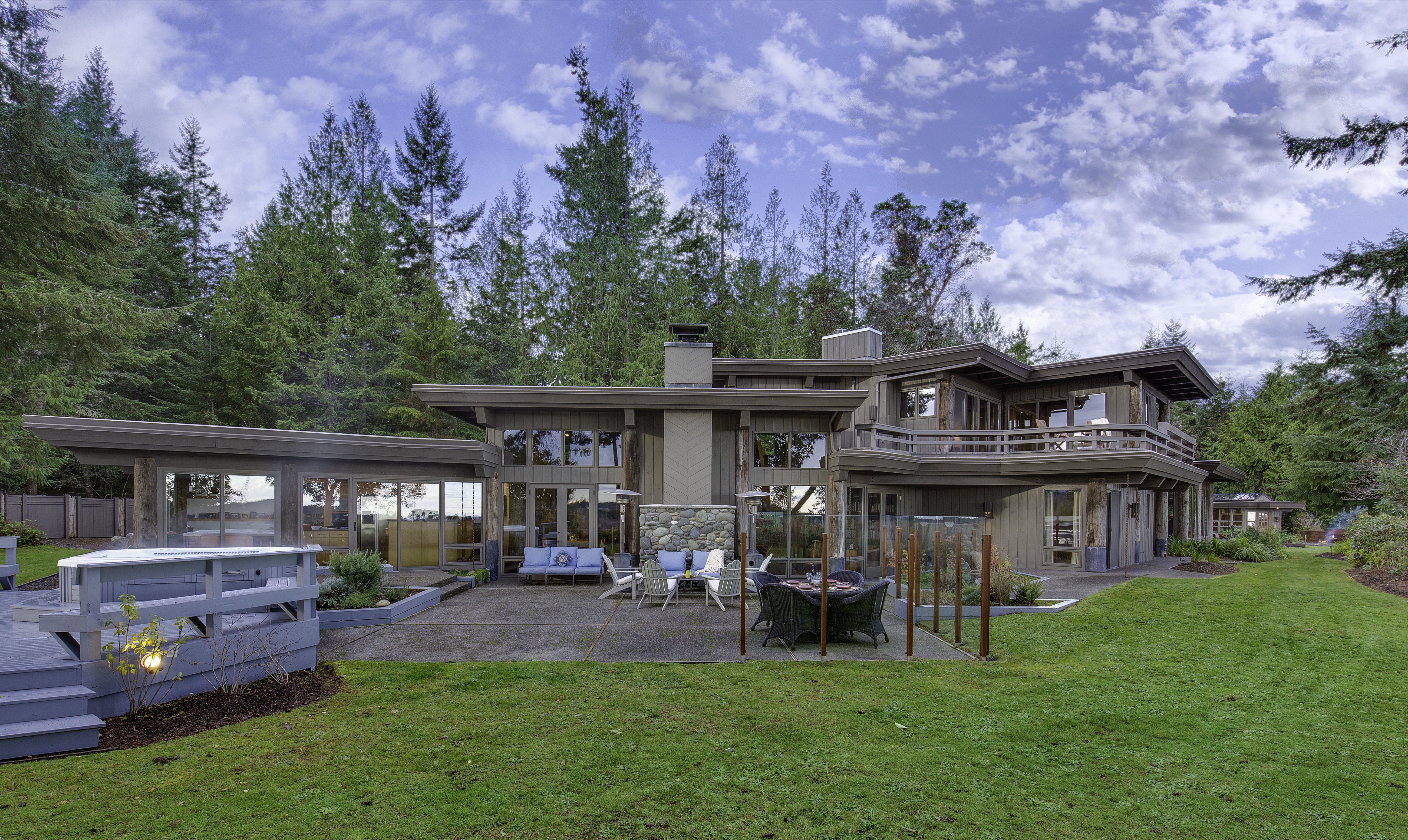 Single Family Home for Sale at Elwha River Retreat 494 Hunt Road Port Angeles, Washington 98363 United States