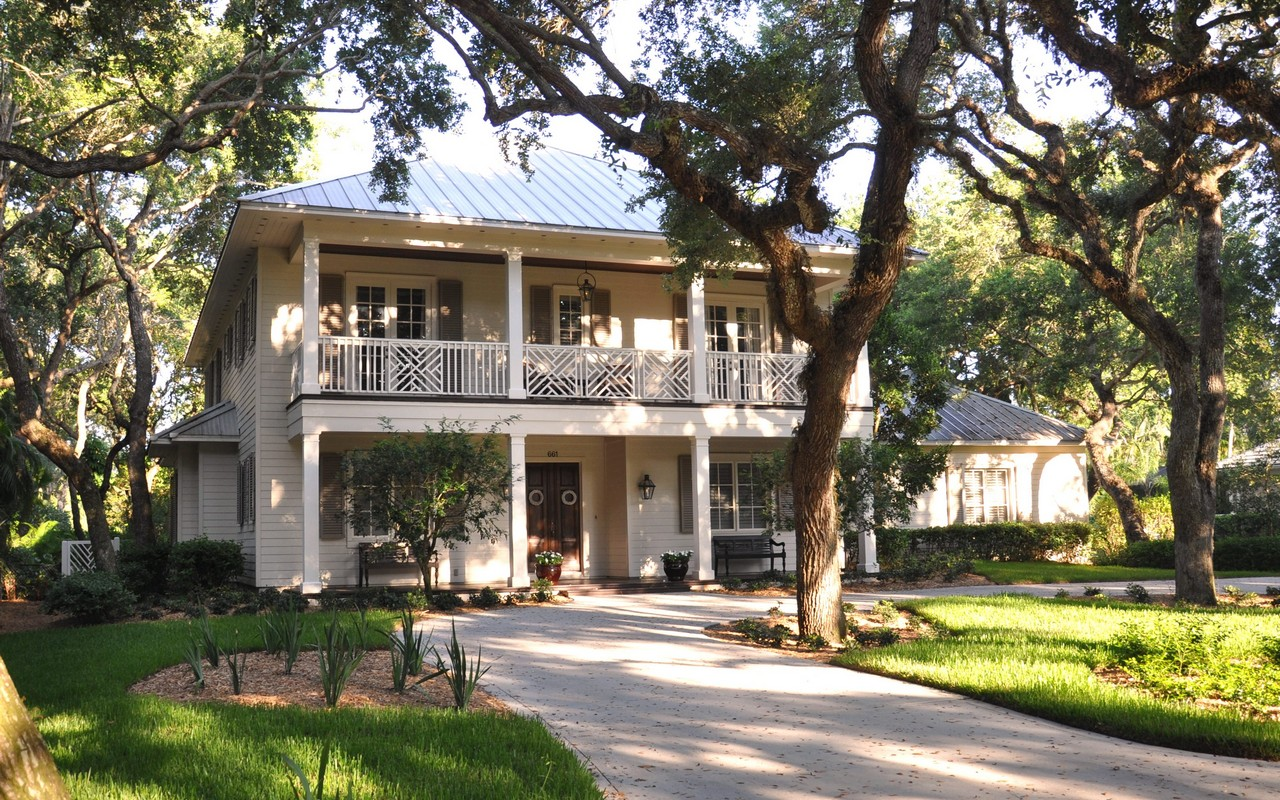 Single Family Home for Sale at Timeless & Elegant home in Indian Trails 661 N Tomahawk Trail Vero Beach, Florida, 32963 United States