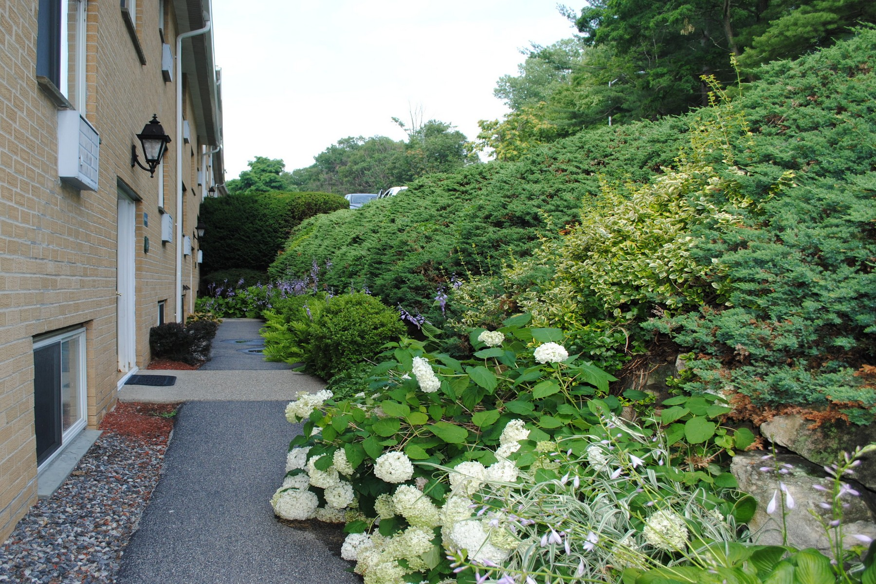 Co-op for Sale at Hudson Woods Estates 15 Scenic Drive, Unit F Croton On Hudson, New York 10520 United States