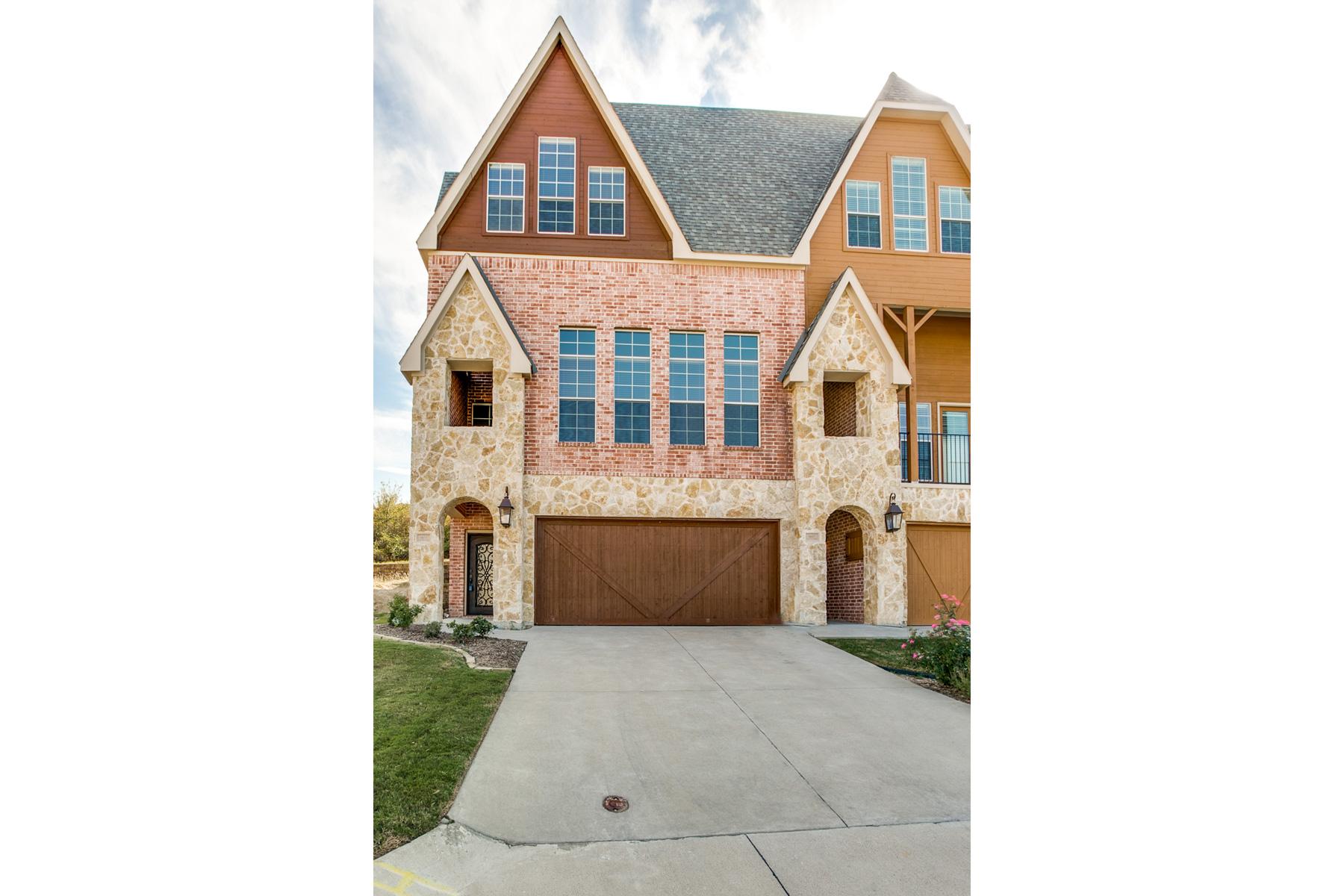 Konak için Satış at Fantastic Townhome 6633 Lost Star Lane Fort Worth, Teksas 76132 Amerika Birleşik Devletleri