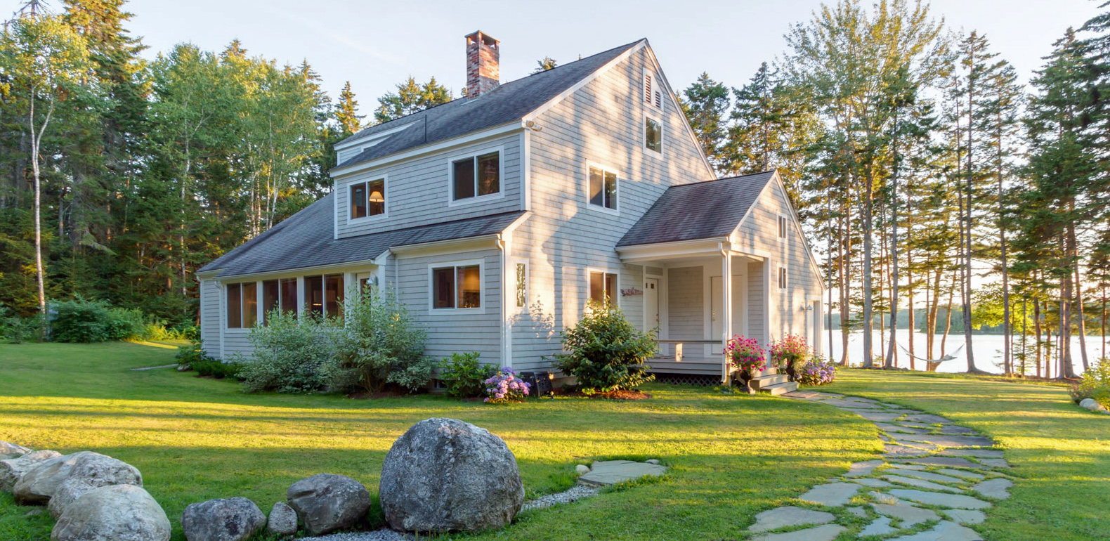 Single Family Home for Sale at Simplicity & Elegance Waldoboro, Maine 04572 United States