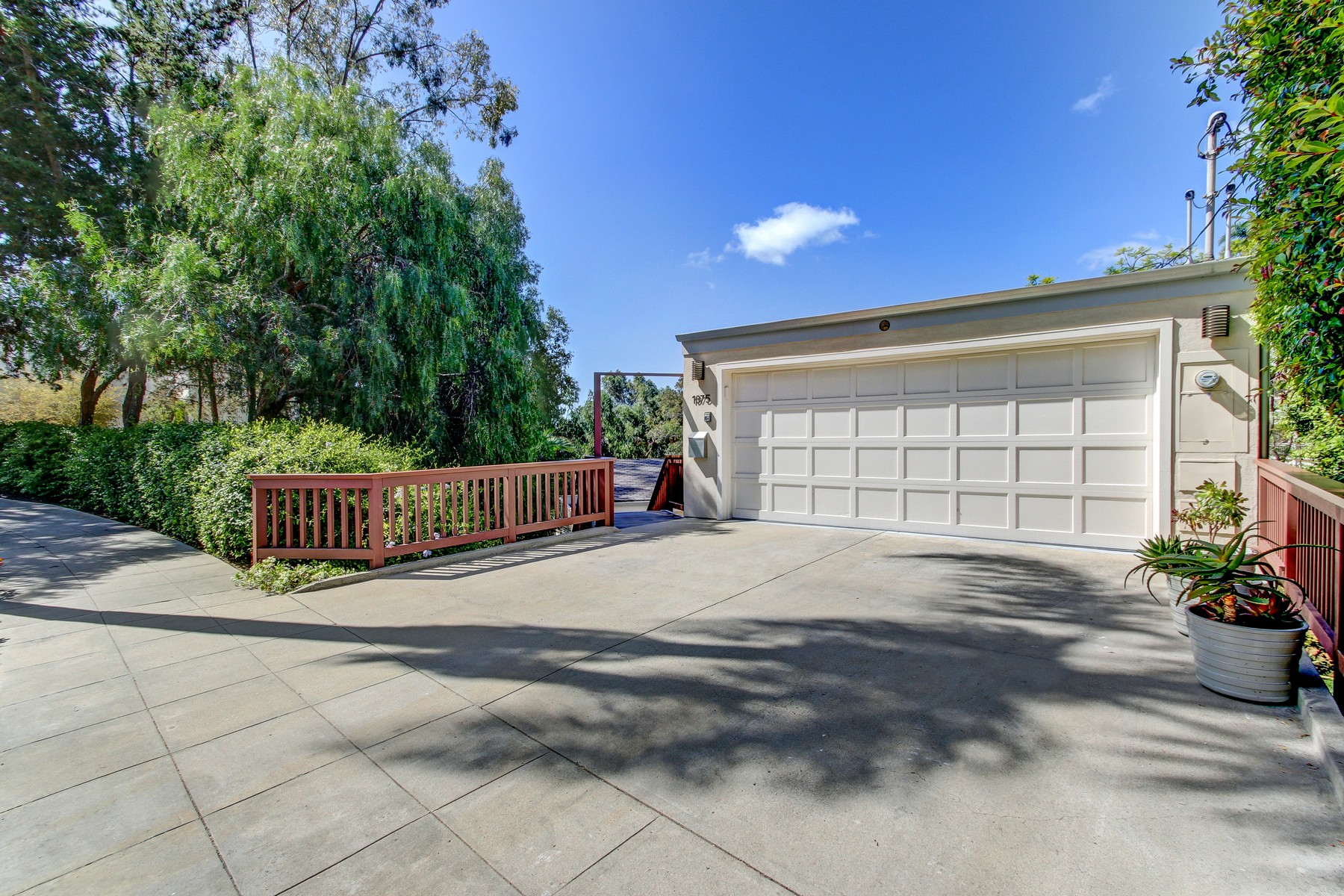 Maison unifamiliale pour l Vente à 1875 Lyndon Road Mission Hills, San Diego, Californie 92103 États-Unis
