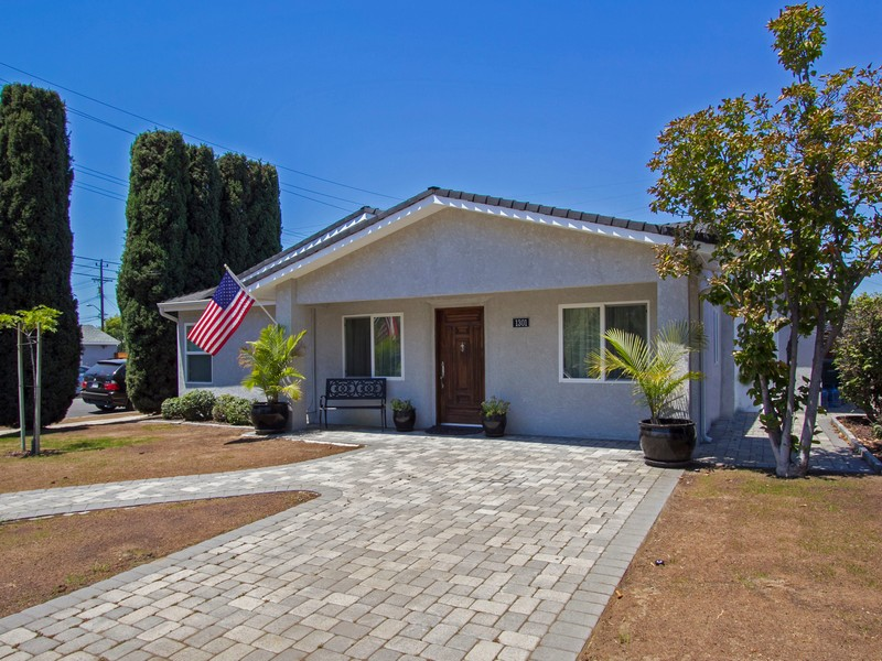 Villa per Vendita alle ore North Brighton Street 1301 North Brighton Street Burbank, California, 91506 Stati Uniti