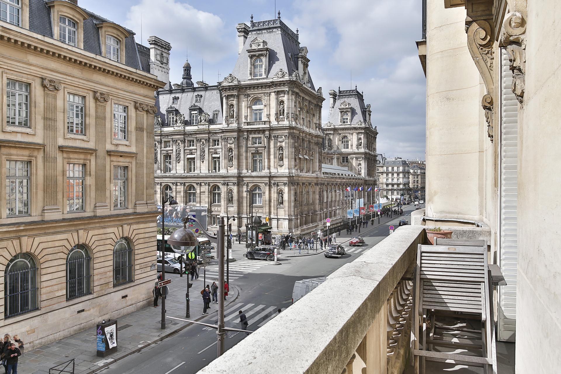 Appartement pour l Vente à Empire Apartment - City Hall Paris, Paris 75004 France