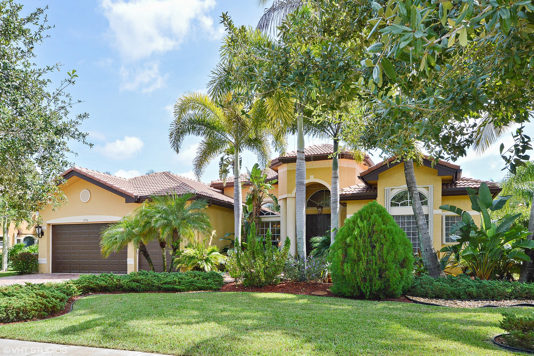 Villa per Vendita alle ore Long Lake Ranches 3796 Saratoga Ln Davie, Florida 33328 Stati Uniti