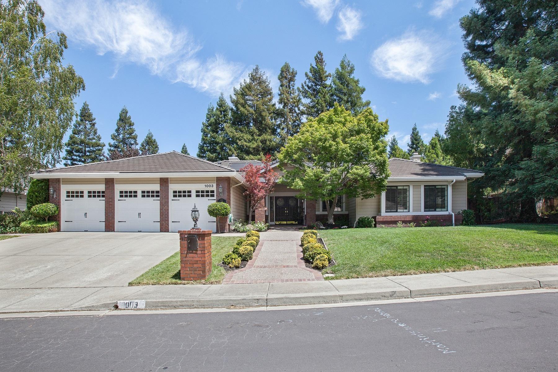 Casa para uma família para Venda às Casual and Elegant 1003 Jennifers Meadows Court Danville, Califórnia 94506 Estados Unidos