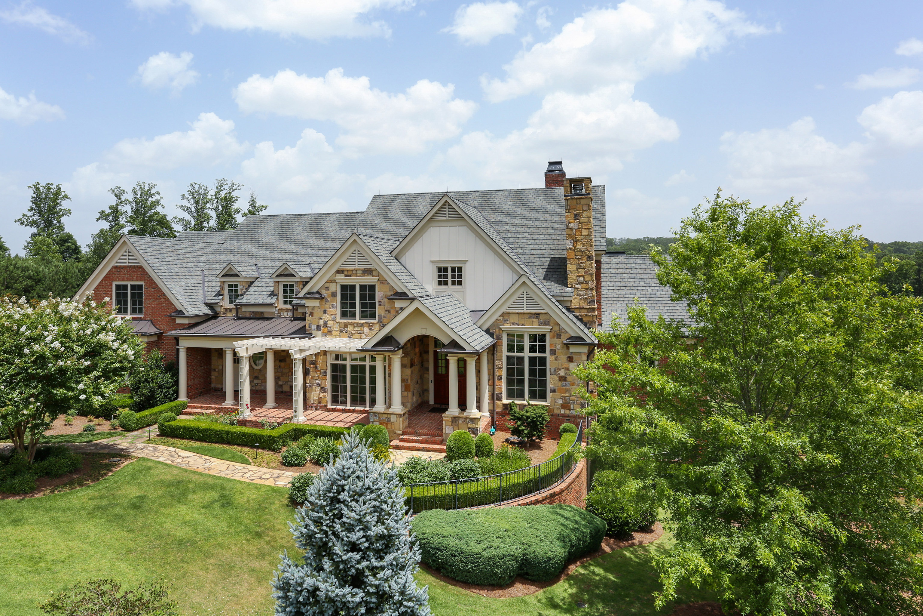 Villa per Vendita alle ore Casual Elegance in Blue Valley 112 Liberty Grove Pass Alpharetta, Georgia, 30004 Stati Uniti