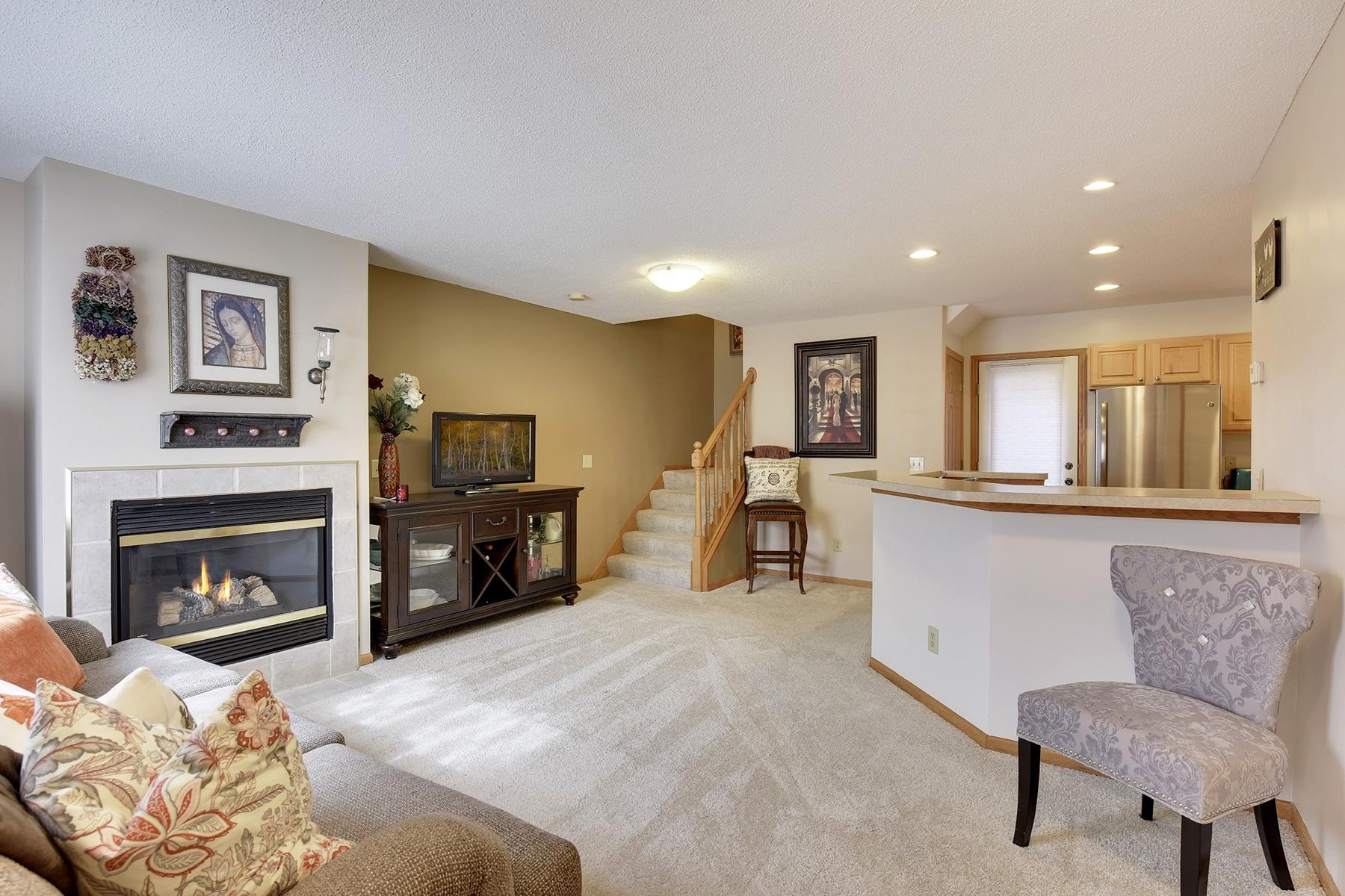 Townhouse for Sale at 280 Sunnyridge Lane Loretto, Minnesota, 55357 United States