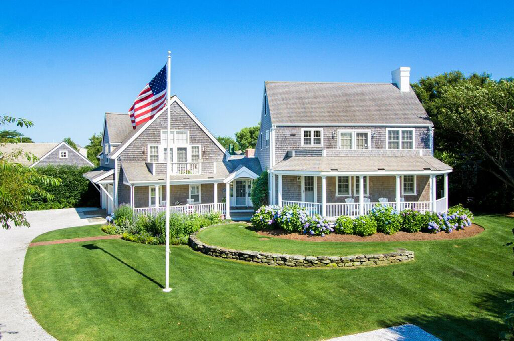 Moradia para Venda às Exceptional Cliff Location 7 Hamblin Road Nantucket, Massachusetts, 02554 Estados Unidos