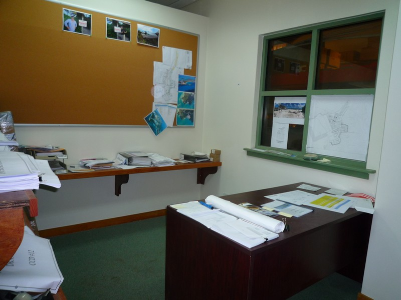 Additional photo for property listing at Commercial OfficeWarehouse Palmdale, Nassau And Paradise Island Bahamas