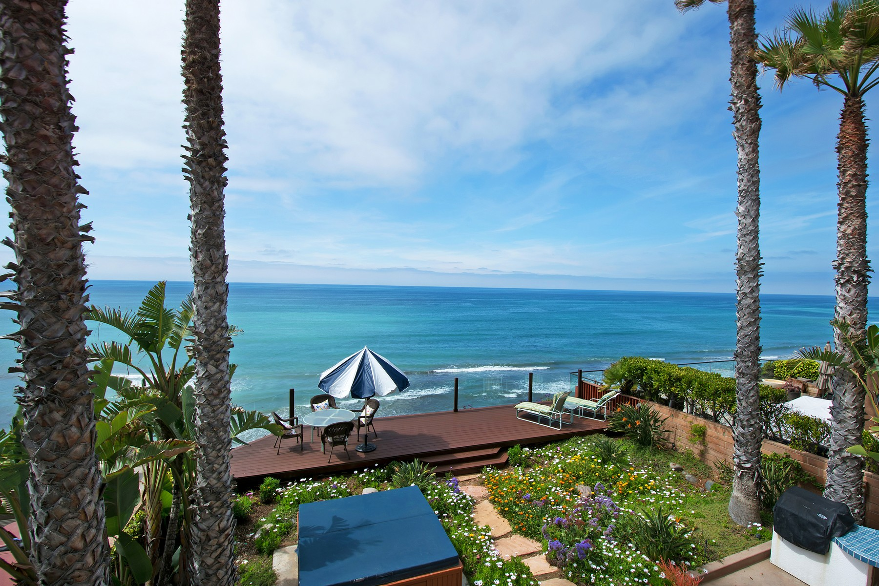 Single Family Home for Sale at 304 Neptune Avenue Encinitas, California 92024 United States