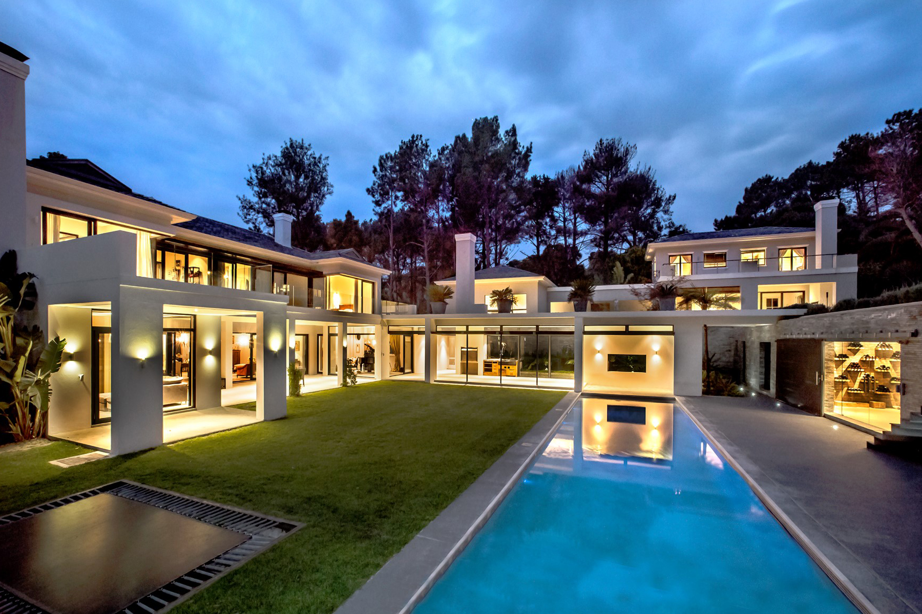 Property For Sale at Exquistely Elegant Contemporary Villa