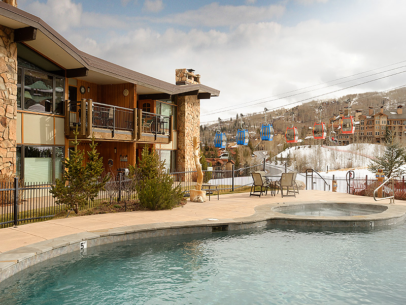 Piso por un Venta en Top Floor on the Ski Slopes 105 Burlingame Road Unit 502 Snowmass Village, Colorado, 81615 Estados Unidos