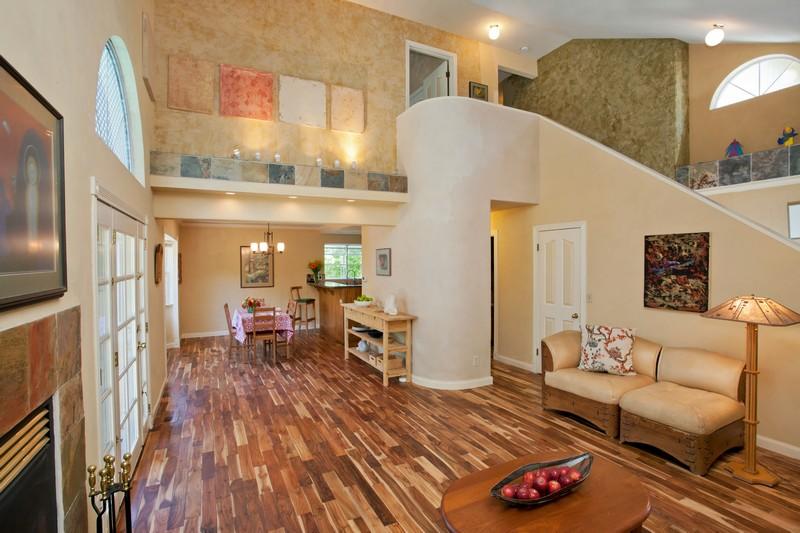 獨棟家庭住宅 為 出售 在 7 Hull Street Santa Rosa, 加利福尼亞州 95401 美國
