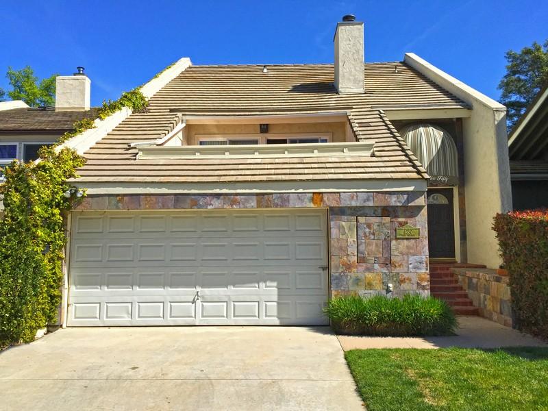 Adosado por un Venta en 4650 Park Mirasol Calabasas, California 91302 Estados Unidos