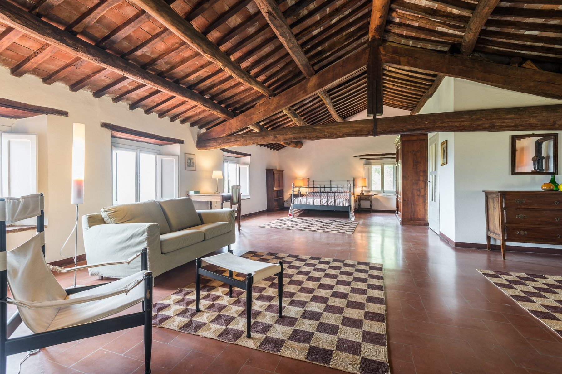 Additional photo for property listing at Country home near Lucca San Concordio di Moriano Lucca, Lucca 55100 Italie