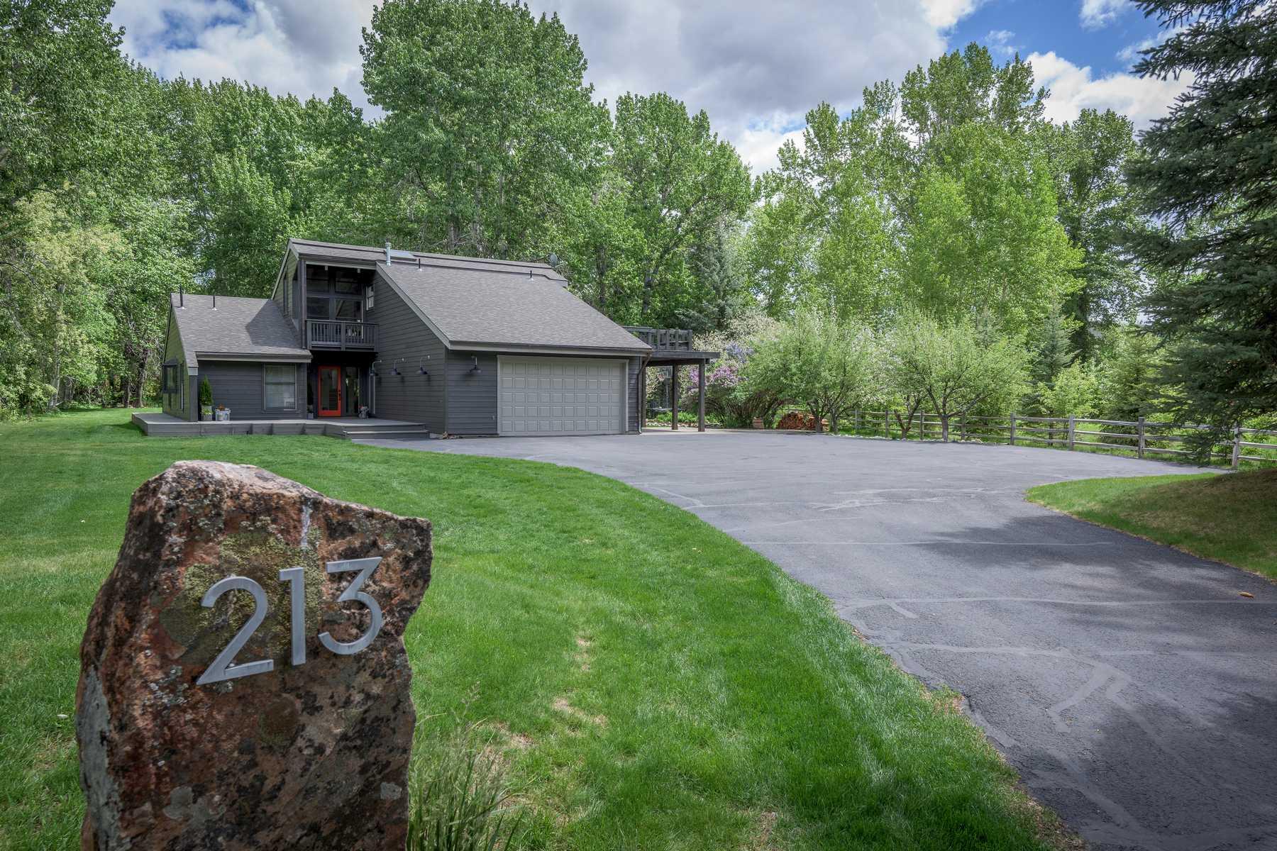 Maison unifamiliale pour l Vente à Zinc Spur Gem 213 Willow Rd Hailey, Idaho, 83333 États-Unis