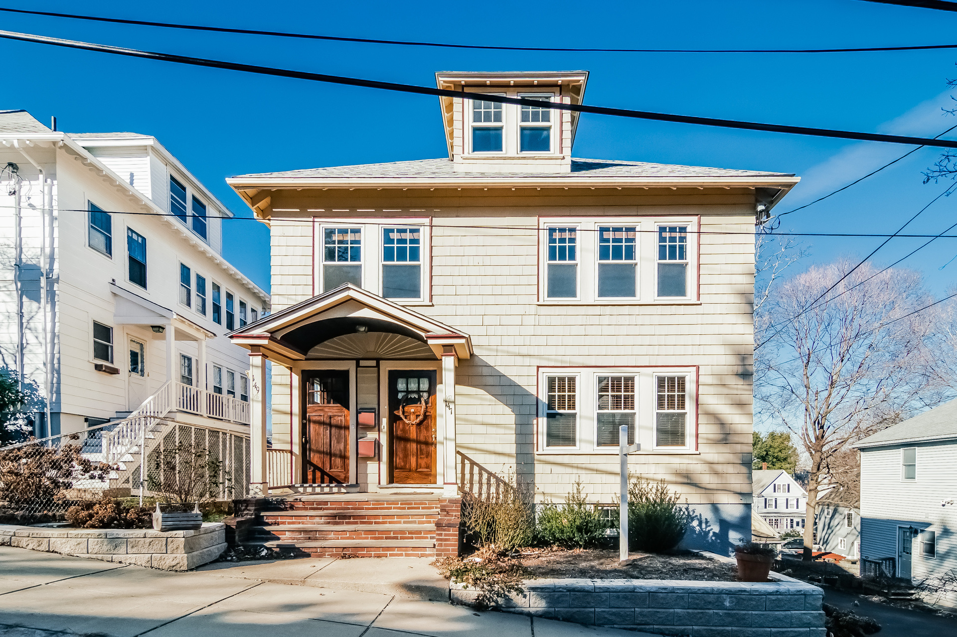 Condominio per Vendita alle ore Desirable Family Neighborhood 147-149 Kittredge St #2 Roslindale, Boston, Massachusetts 02131 Stati Uniti