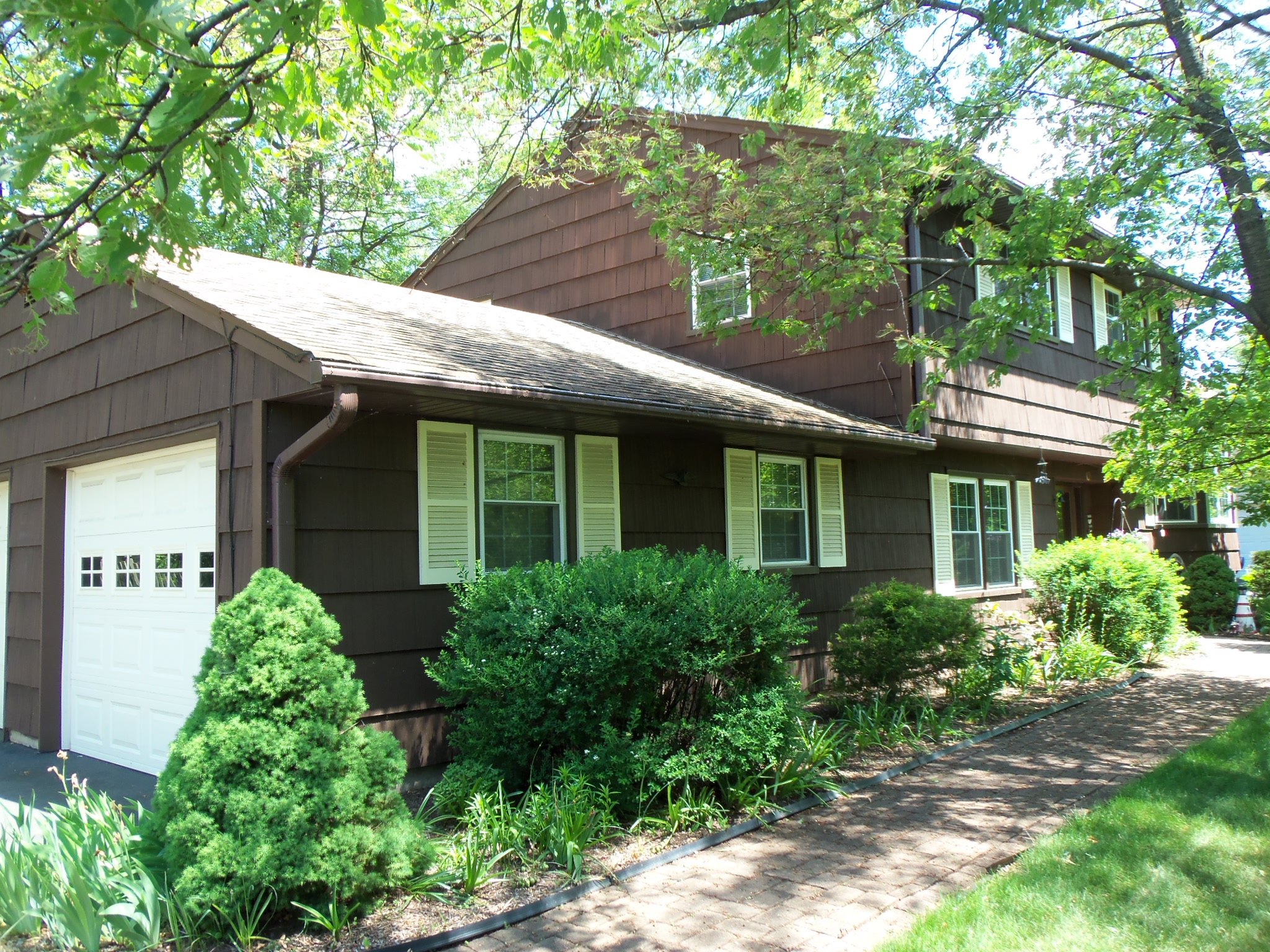 Single Family Home for Sale at Well Maintained 56 Glen Road Bridgewater, New Jersey 08807 United States