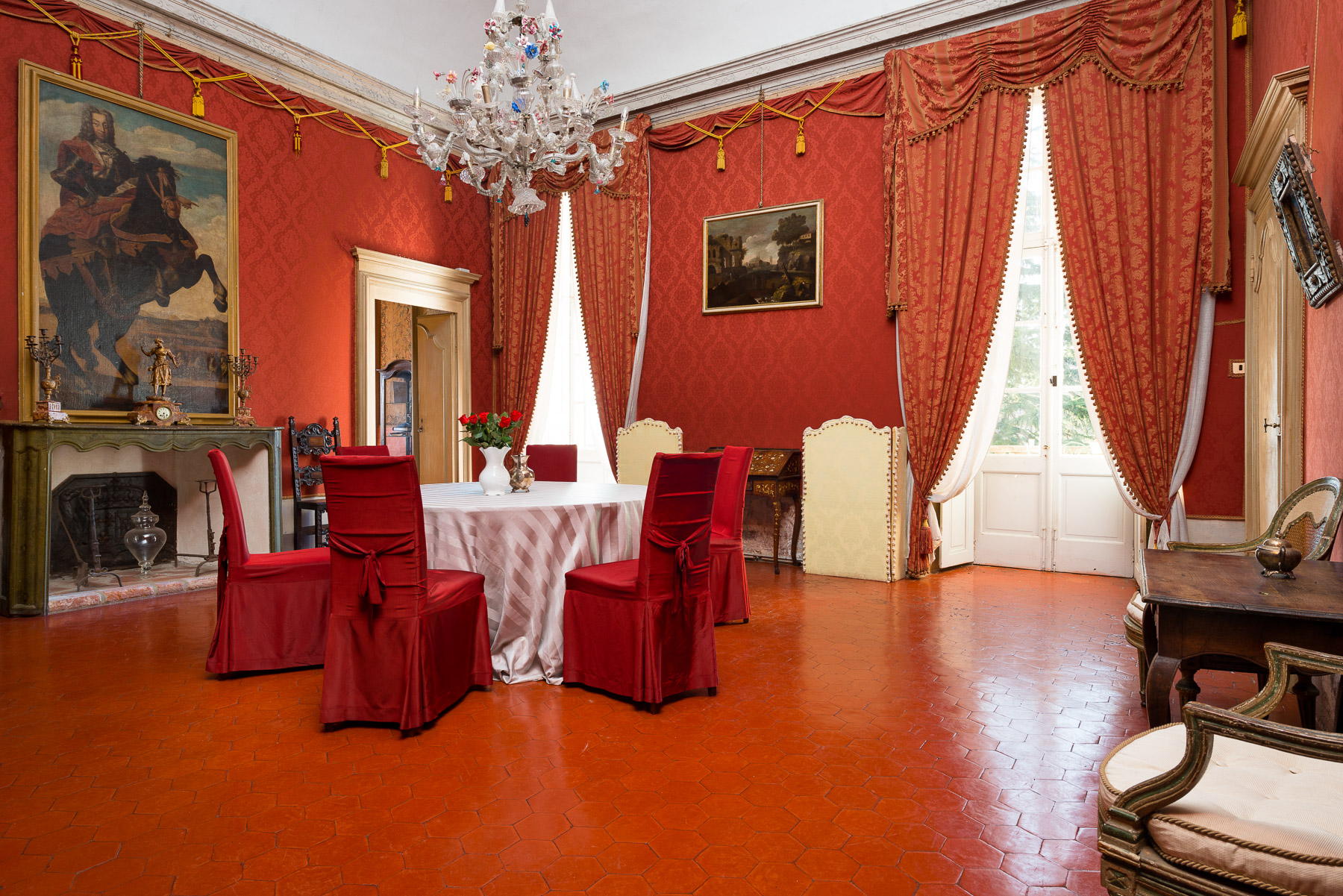 Additional photo for property listing at Stately Castle in Piedmont Piazzetta del Castello Autres Turin, Turin 10040 Italie