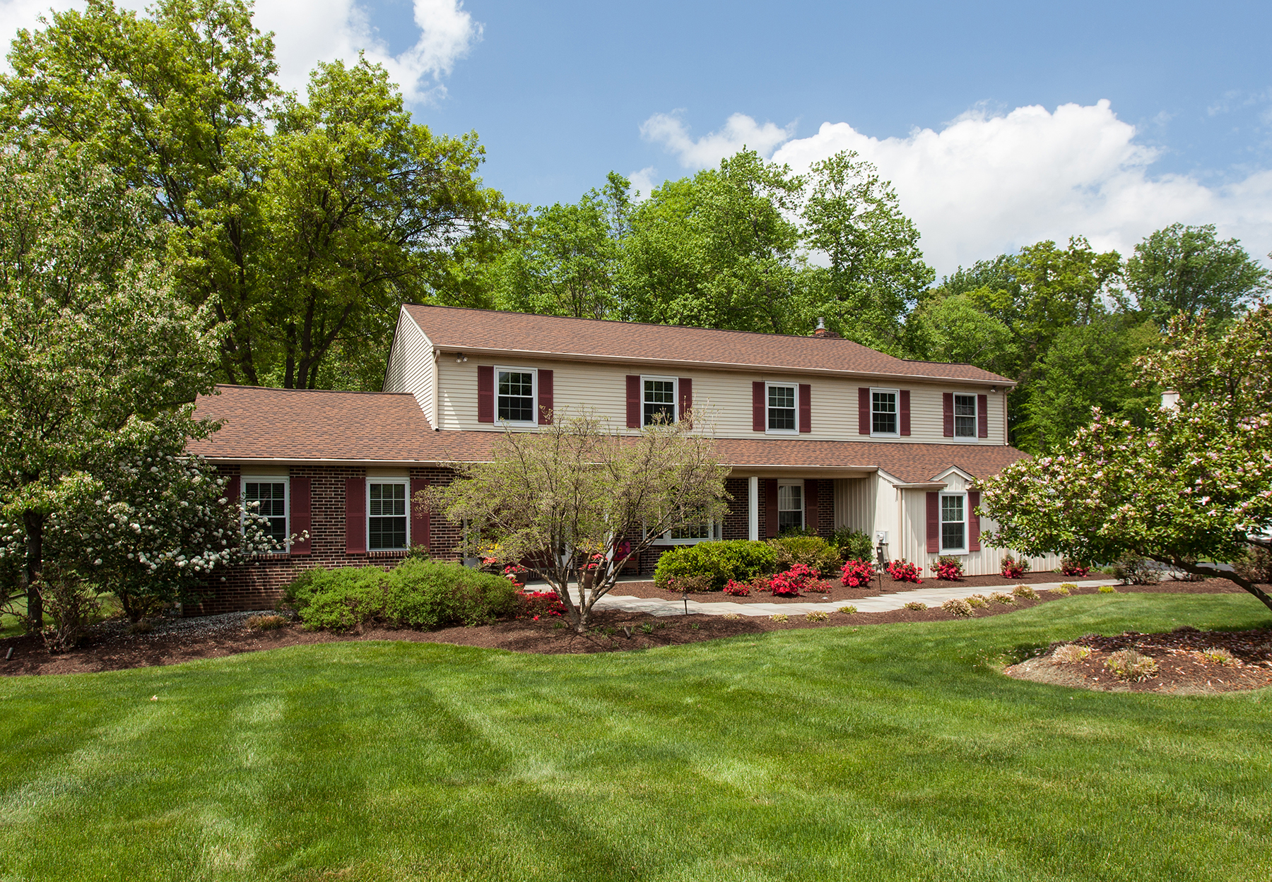 Single Family Home for Sale at Doylestown, PA 24 Settlers Drive Doylestown, Pennsylvania 18901 United States